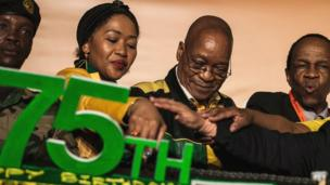 Le président sud-africain a célébré son 75ème anniversaire cette semaine sur fond de manifestations.