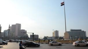 L'emblématique Place Tahrir (place de la Libération). Durant des semaines les Égyptiens y ont manifesté contre des hiérarchies corrompues et pour faire entendre leurs revendications sociales, en 2011, alors que la transition politique se mettait en place.