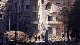 مباني مدمرة في حلب.