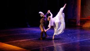 """نخستین اجرای باله """" زال و رودابه"""" در تاجیکستان"""