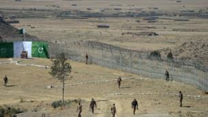 پاک افغان بارڈر، باڑ