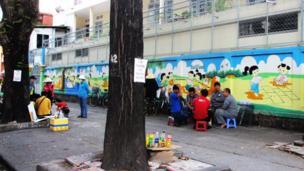 cafe lề đường Trần Cao Vân