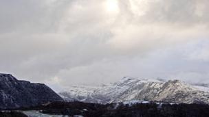 Yr Wyddfa yn ei holl ogoniant // Snowdon in all its glory