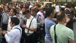 Habitantes de Ciudad de México en las calles