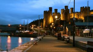 Dr Medwyn Williams' 'an evening in Conwy'
