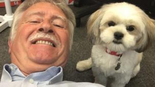 برنارد مع كلبته