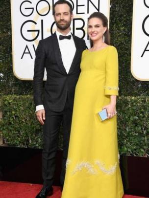 Diễn viên Natalie Portman mang bầu, được chụp cùng chồng cô là Benjamin Millepied, được đề cử nữ diễn viên xuất sắc nhất cho thể loại phim truyện với bộ phim Jackie.