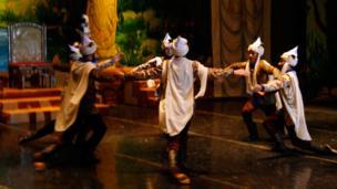 """نخستین اجرای باله """"زال و رودابه"""" درتاجیکستان"""