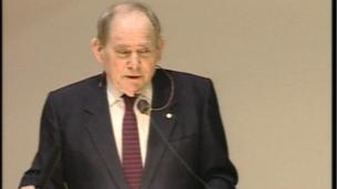En 2002, le biologiste sud-africain, Sydney Brenner a obtenu le prix Nobel de physiologie ou médecine.