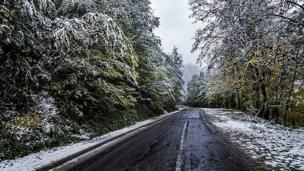 برف پاییزی در ارتفاعات اسالم به خلخال