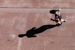 La sombra de un corredor