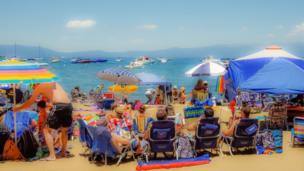 صورة لأحد شواطئ كاليفورنيا