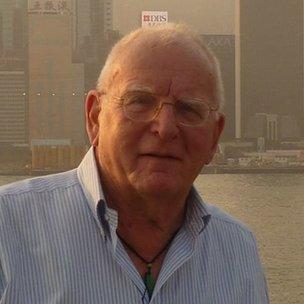 Cựu nhà báo của hãng tin Associated Press, Carl Robinson
