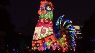 圖為裝設在中國河北河家莊市一個燈飾