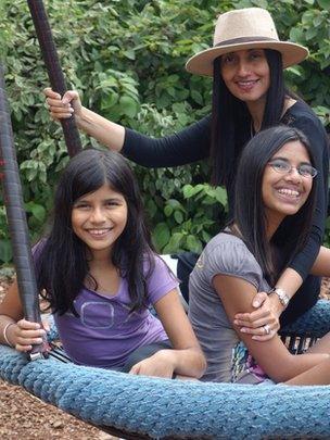 Sharan, Eysha and Elyna Gill