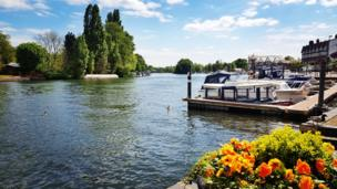Henley-on-Thames in the sunshine