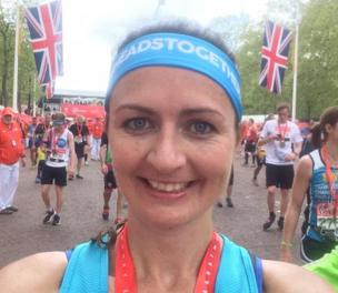 Catherine Ellis selfie on Whitehall with her time of 3.50.37