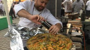 Seafood Paella be part of di international food for di festival