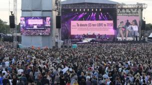 تقاطر جمهور غنائي كبير على الحفل الغنائي الخيري الذي نظمته أريانا غراندي لصالح أقارب هجوم مانشتسر.