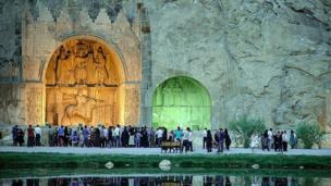 مسافران نوروزی در طاقبستان کرمانشاه