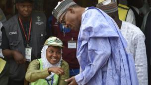Shuga Buhari a yayin da ya je kada kuri'a