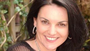Sheryl Hughes (Lisa Victoria)