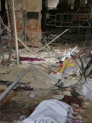 科伦坡内一间教堂爆炸后的情况。