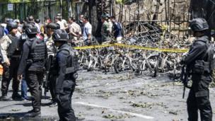 موقع أحد التفجيرات
