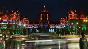 The Chhatrapati Shivaji Terminus na UNESCO World Heritage Site wey dem decorate for the occasion.