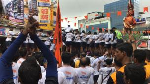 कृष्ण जन्माष्टमी के अवसर पर होता है दही हांडी कार्यक्रम का आयोजन