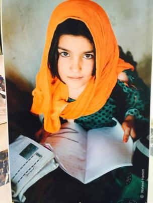 عکاسانو د افغان نجونو د زده کړو بهیر ځینې عکاسي هم نندارې ته وړاندې کړې وه