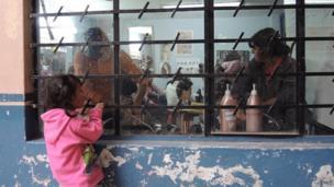 Salón de clases en una escuela local