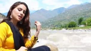 ثنا خان