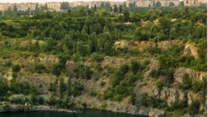 Кратер или Гранитная Лагуна - искусственное озеро в Кривом Роге