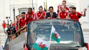 Welsh team on the open top bus