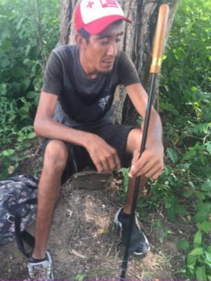 Isaac Perreira con bastón