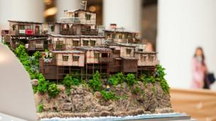 Miniature artwork depicting the squatter village at Mount Davis