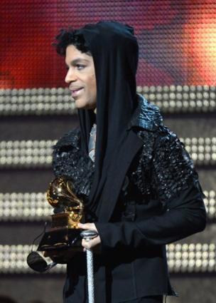 2013年2月10日、ロサンゼルスのグラミー賞授賞式にレコード賞のプレゼンターとして出演