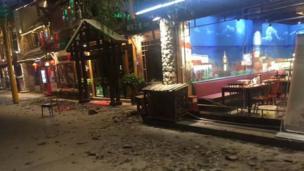 九寨溝景區遊客中心附近受損的街區