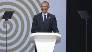Barack Obama a prononcé son premier discours depuis son départ de la Maison Blanche lors de la célébration du centenaire de Nelson Mandela.