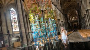 Lottie Pedder from Salisbury Cathedral beside Incandescent by Amy Cushing