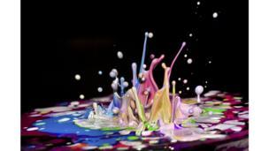 La pintura rebota al ritmo de la música.