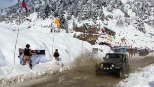 A Jeep in action during the second Lowari Snow Jeep Rally Competition, in Chitral, Pakistan, 09 January 2017