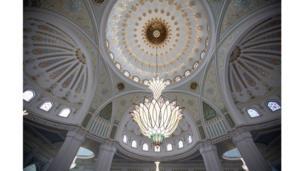 صورة لقبة المسجد من الداخل