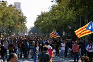 Manifestantes en calles de Barcelona