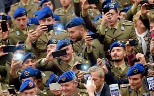 جنود إيطاليون