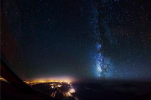 السماء ليلا