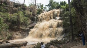 20 morts et des blessés aux chutes de Kintampo au Ghana, après une tempête.