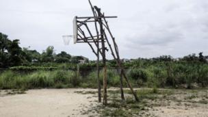 شبكة للعب كرة السلة