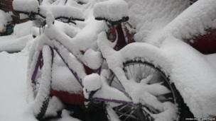 लंदन में बर्फबारी